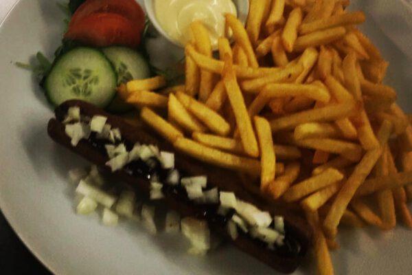 patat + frikandel speciaal
